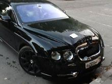 """Bentley сотрудницы """"Роснефти"""" разбили за неправильную парковку"""
