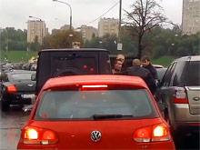 """В центре Москвы """"быки"""" из Bentley избили водителя. ВИДЕО. От Колокольцева требуют среагировать"""