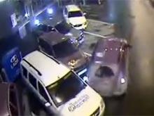 Страйк! В Екатеринбурге водительница сбила сразу четыре автомобиля на парковке (ВИДЕО)