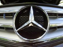 """Водитель Mercedes придумал хитрую схему, чтобы скрыть """"пьяную"""" аварию"""