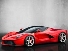 Итальянцы готовят две эксклюзивные  версии гиперкара LaFerrari  -  Spider и  FXX