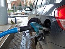 Антимонопольная служба проверит синхронный рост цен на бензин в Москве