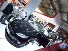700-сильный электрокар от Tesla Motors будет парковаться сам и различать пешеходов с помощью сонара