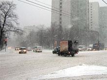 За ненастные сутки в Москве произошло около 2000 аварий