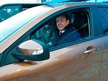 "Медведев описал впечатления от тест-драйва Lada Xray цвета ""пума"" тремя словами (ФОТО, ВИДЕО)"