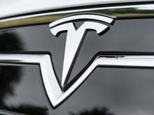 """""""Прожорливая""""  Tesla   подставила  жителя Сингапура на 15  тысяч долларов"""