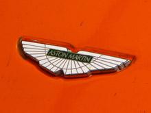 Aston Martin   показал    элегантное   купе Vanquish Zagato на выставке самых красивых машин