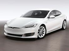 Tesla представила две чуть более доступные  версии электроседана  Model S